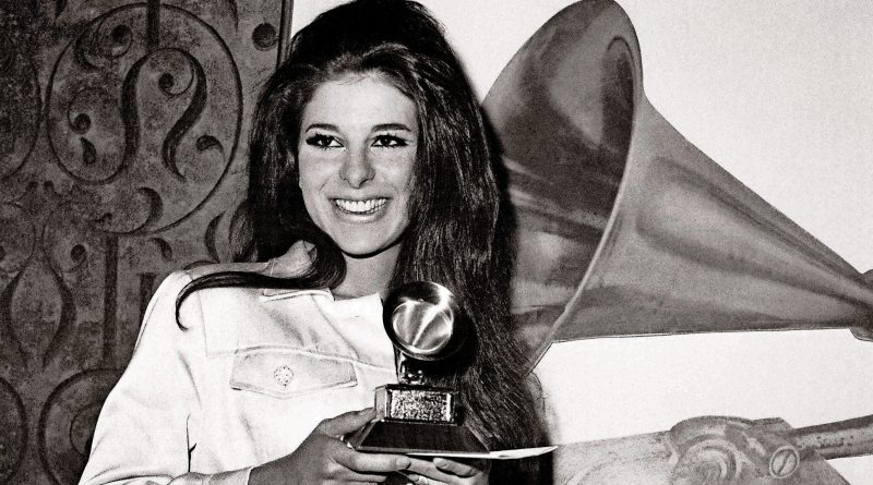 Bobbie Gentry Bikini Body Height Weight Nationality Net Worth