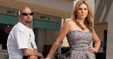 Brandi & Jarrod Bikini Body Height Weight Nationality Net Worth