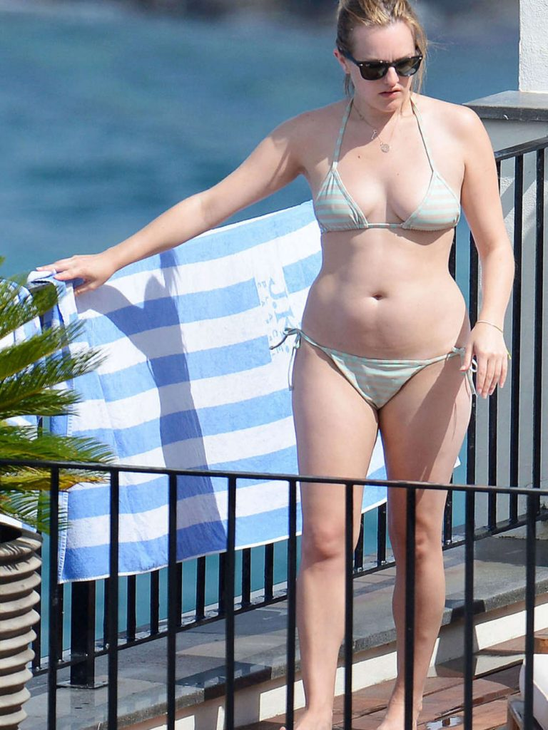 Elisabeth Moss Bikini Photo