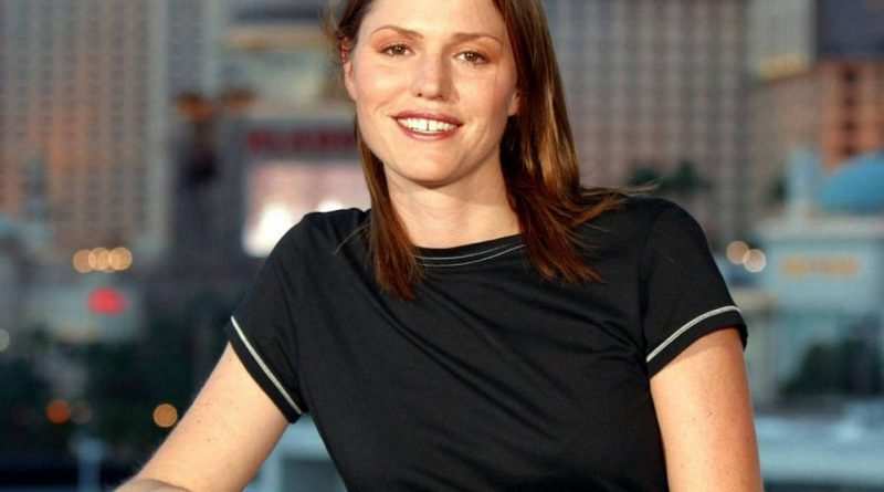 Jorja Fox Bikini Body Height Weight Nationality Net Worth