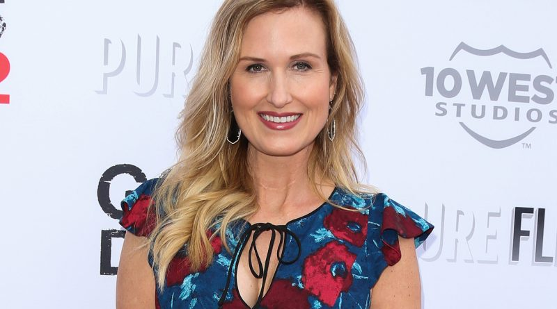 Korie Robertson Bikini Body Height Weight Nationality Net Worth