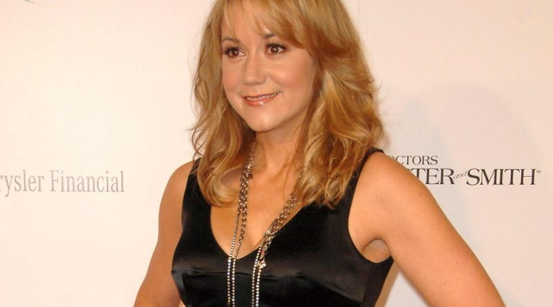 Megyn Price Bikini Body Height Weight Nationality Net Worth