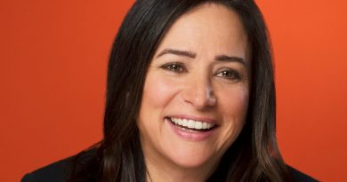 Pamela Adlon Bikini Body Height Weight Nationality Net Worth