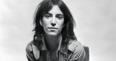 Patti Smith Bikini Body Height Weight Nationality Net Worth