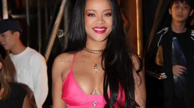 Rihanna Bikini Body Height Weight Nationality Net Worth