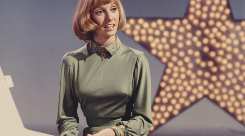 Sandy Duncan Bikini Body Height Weight Nationality Net Worth
