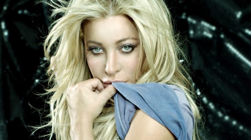 Taylor Dayne Bikini Body Height Weight Nationality Net Worth