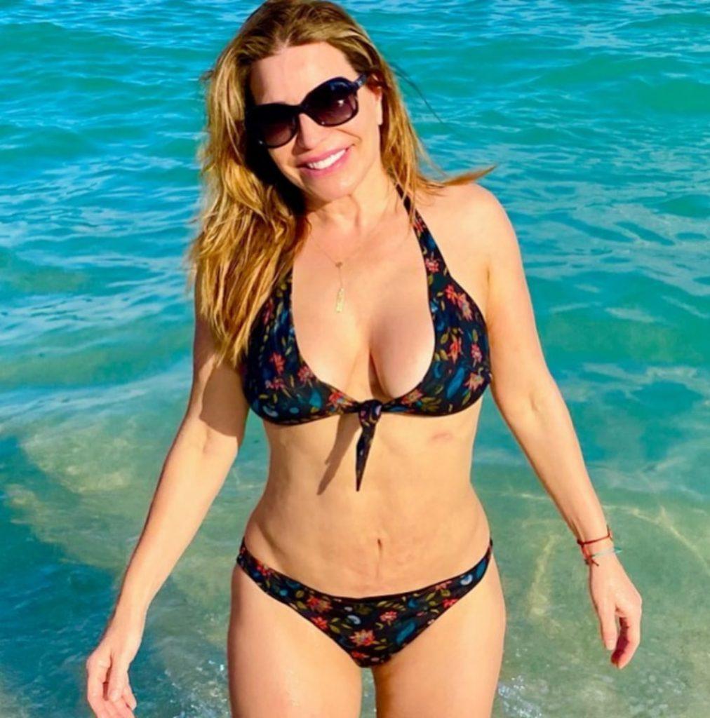 Taylor Dayne Bikini Photo