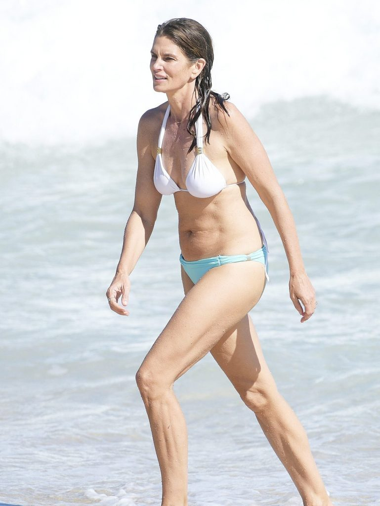 Cindy Crawford Bikini Photo