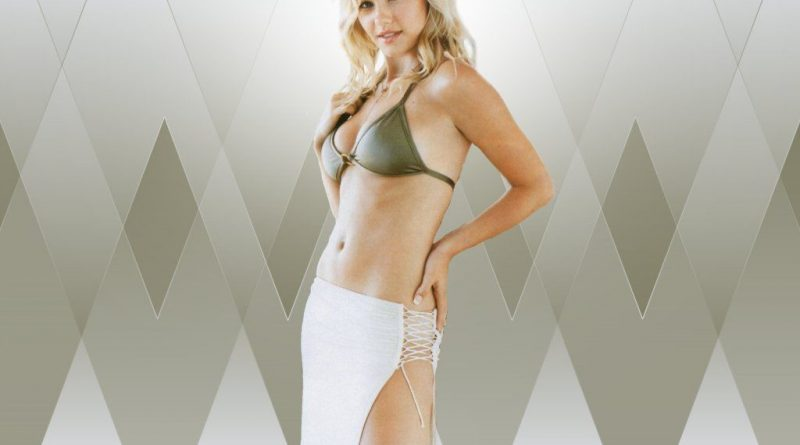 Elisha Cuthbert Bikini Body Height Weight Nationality Net Worth