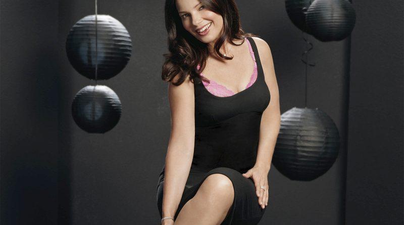 Fran Drescher Bikini Body Height Weight Nationality Net Worth