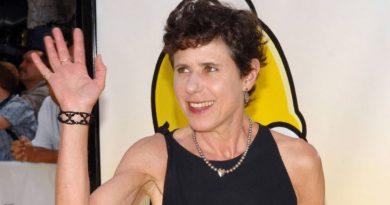 Julie Kavner Bikini Body Height Weight Nationality Net Worth