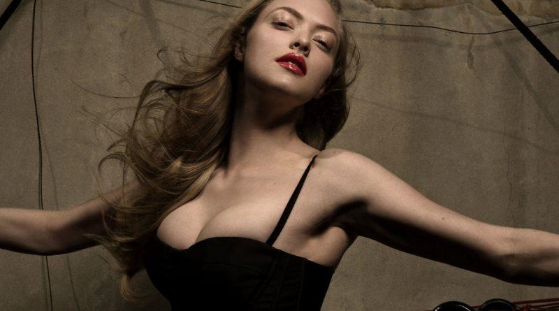 Amanda Seyfried Bikini Body Height Weight Nationality Net Worth