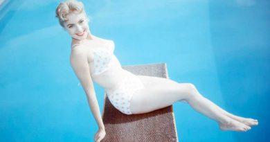 Shirley Jones Bikini Body Height Weight Nationality Net Worth